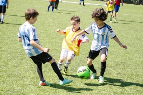 soccer-boys-play